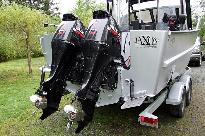 JXC 24 Runabout with Engines